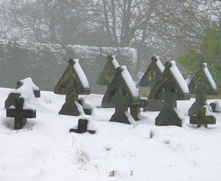 graveyard_winter